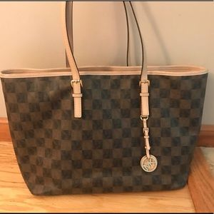 Michael Kors Jet Set Checkerboard Large Tote